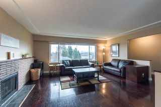 Photo 3: 5535 BUCHANAN Street in Burnaby: Parkcrest House for sale (Burnaby North)  : MLS®# R2355999