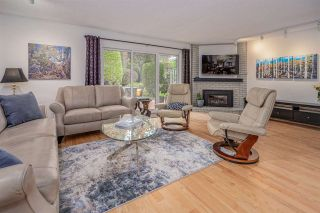"""Photo 3: 26 11771 KINGFISHER Drive in Richmond: Westwind Townhouse for sale in """"Somerset Mews/Westwind"""" : MLS®# R2512817"""