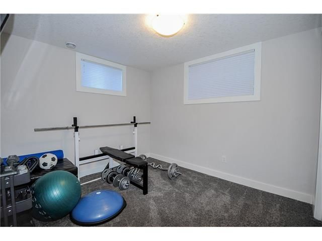 Photo 13: Photos: 1912 GLENWOOD Drive SW in Calgary: Glendale House for sale : MLS®# C4093243