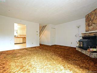 Photo 4: 2973 Almartin Pl in VICTORIA: Co Hatley Park Half Duplex for sale (Colwood)  : MLS®# 769766