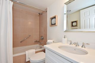 """Photo 16: 902 2288 W 40TH Avenue in Vancouver: Kerrisdale Condo for sale in """"Kerrisdale Parc"""" (Vancouver West)  : MLS®# R2363807"""