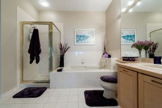 """Photo 13: 2375 FOLKESTONE Way in West Vancouver: Panorama Village Townhouse for sale in """"Westpointe"""" : MLS®# R2147678"""
