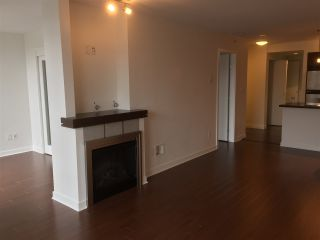 Photo 5: 1808 1 RENAISSANCE SQUARE in New Westminster: Quay Condo for sale : MLS®# R2014289
