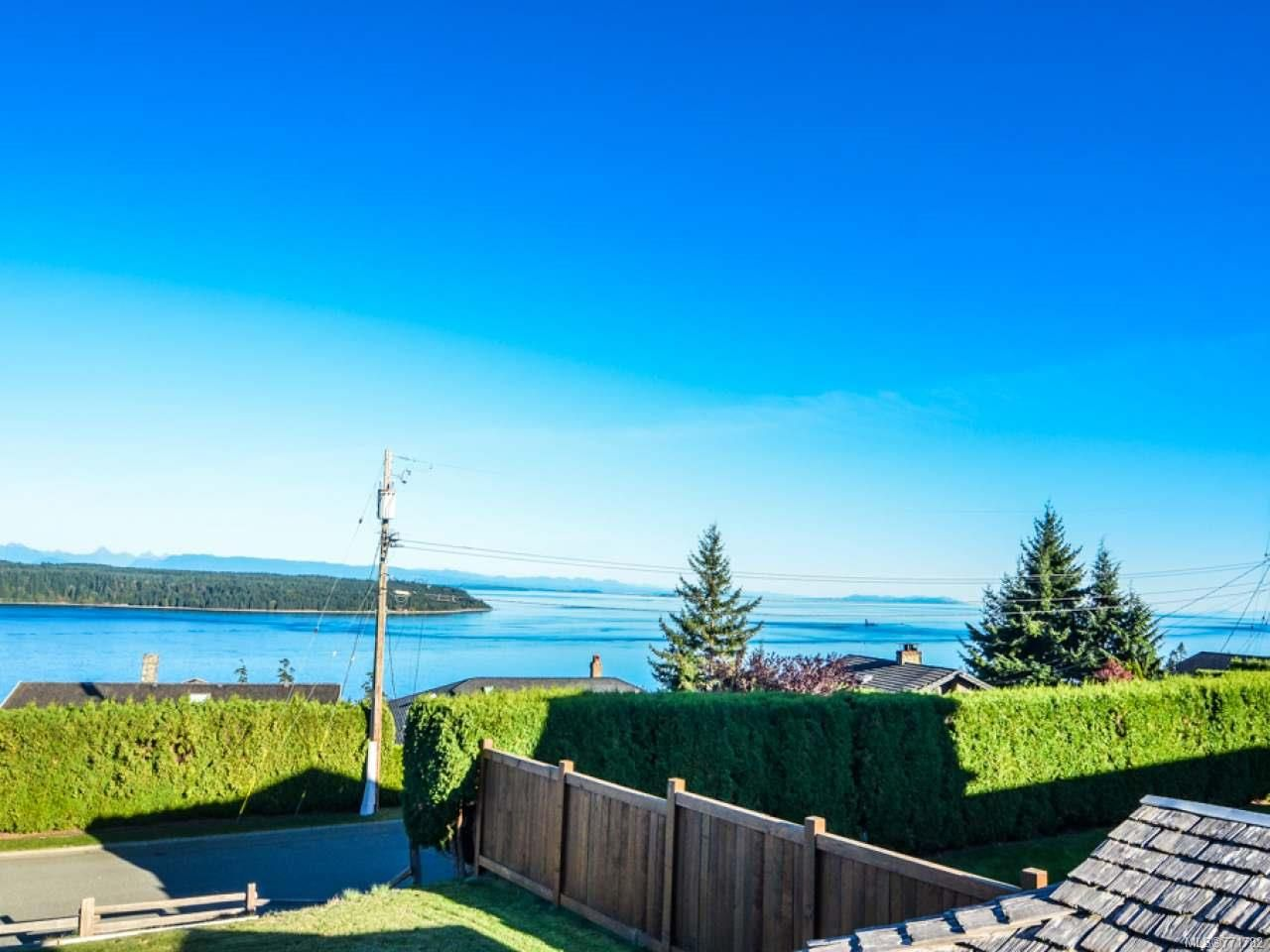 Photo 2: Photos: 451 S McLean St in CAMPBELL RIVER: CR Campbell River Central House for sale (Campbell River)  : MLS®# 771782