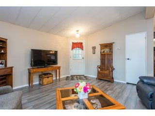 """Photo 9: 74 9080 198 Street in Langley: Walnut Grove Manufactured Home for sale in """"Forest Green Estates"""" : MLS®# R2457126"""