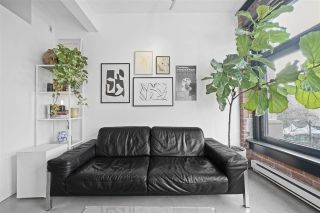 """Photo 3: 402 53 W HASTINGS Street in Vancouver: Downtown VW Condo for sale in """"Paris Block"""" (Vancouver West)  : MLS®# R2554831"""