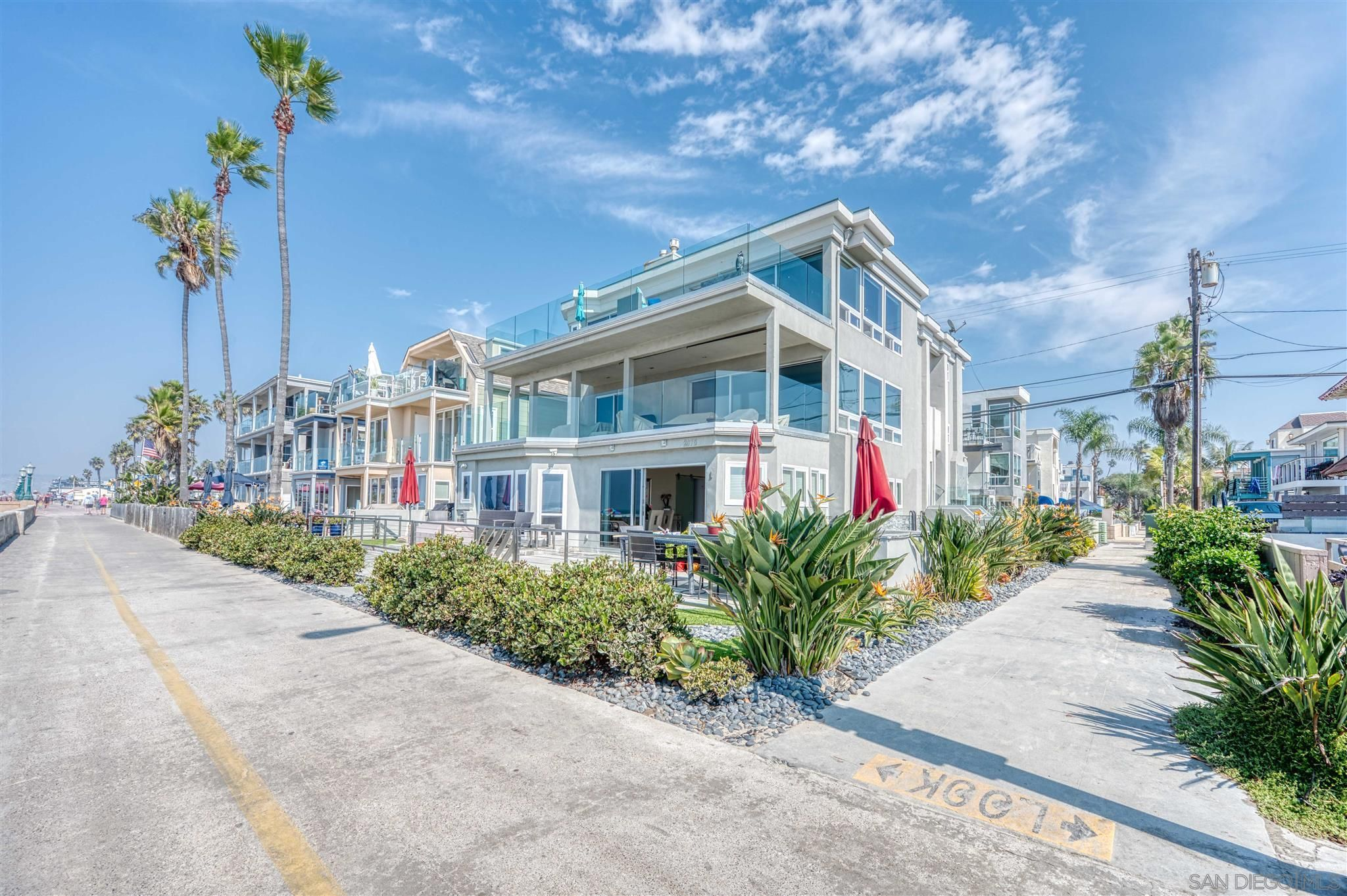 Main Photo: MISSION BEACH Condo for sale : 3 bedrooms : 2975 Ocean Front Walk #3 in San Diego