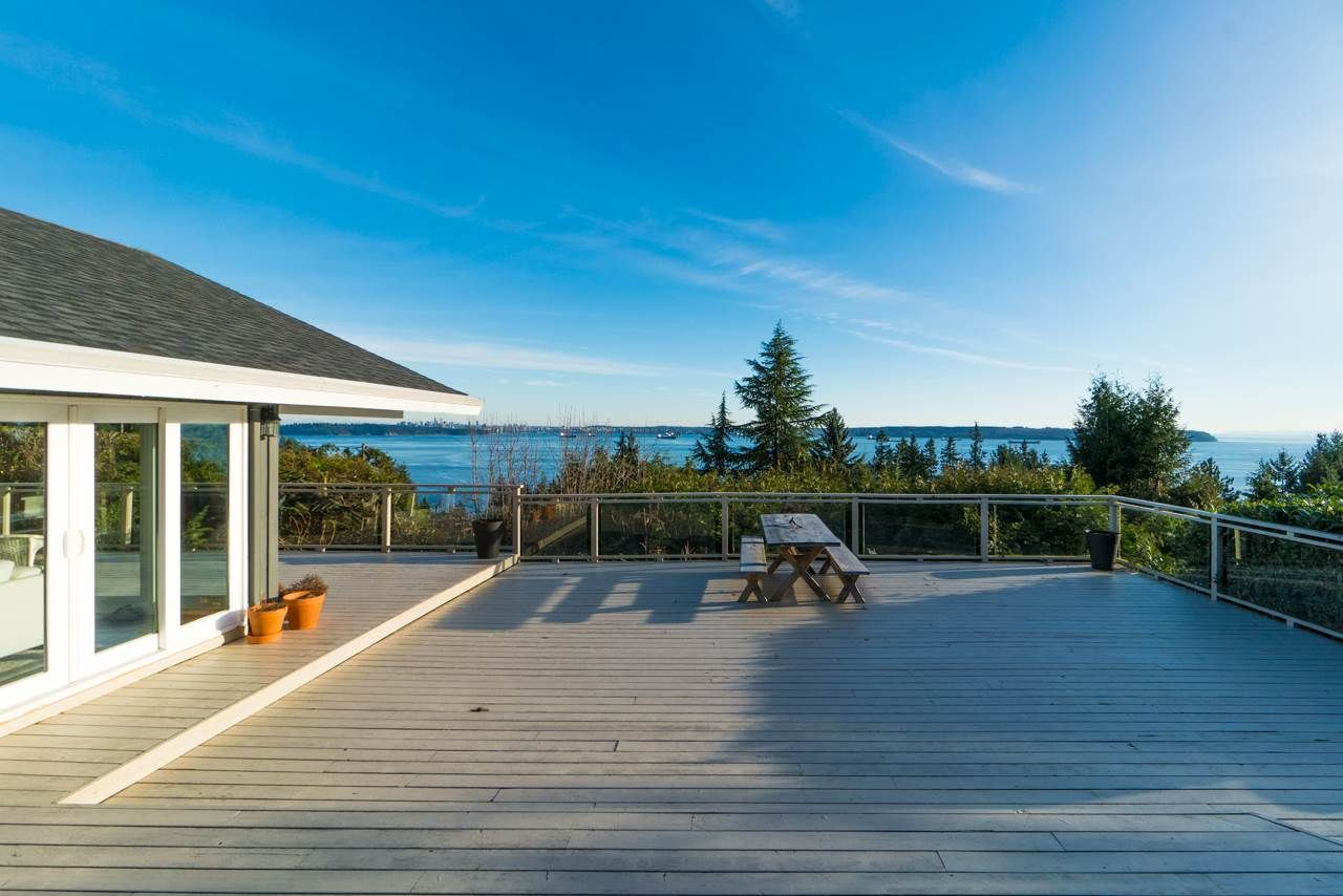 Main Photo: 4111 BURKEHILL Road in West Vancouver: Bayridge House for sale : MLS®# R2563402