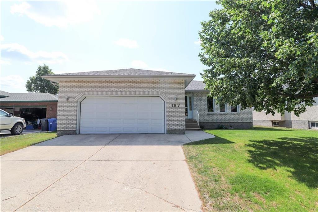 Main Photo: 197 Woodside Crescent in Winnipeg: Kildonan Meadows Residential for sale (3K)  : MLS®# 202117834