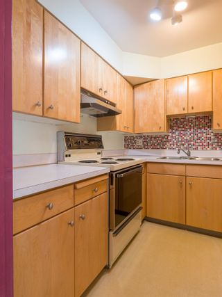 Photo 9: 303 2409 W 43RD AVENUE in Vancouver: Kerrisdale Condo for sale (Vancouver West)  : MLS®# R2480471