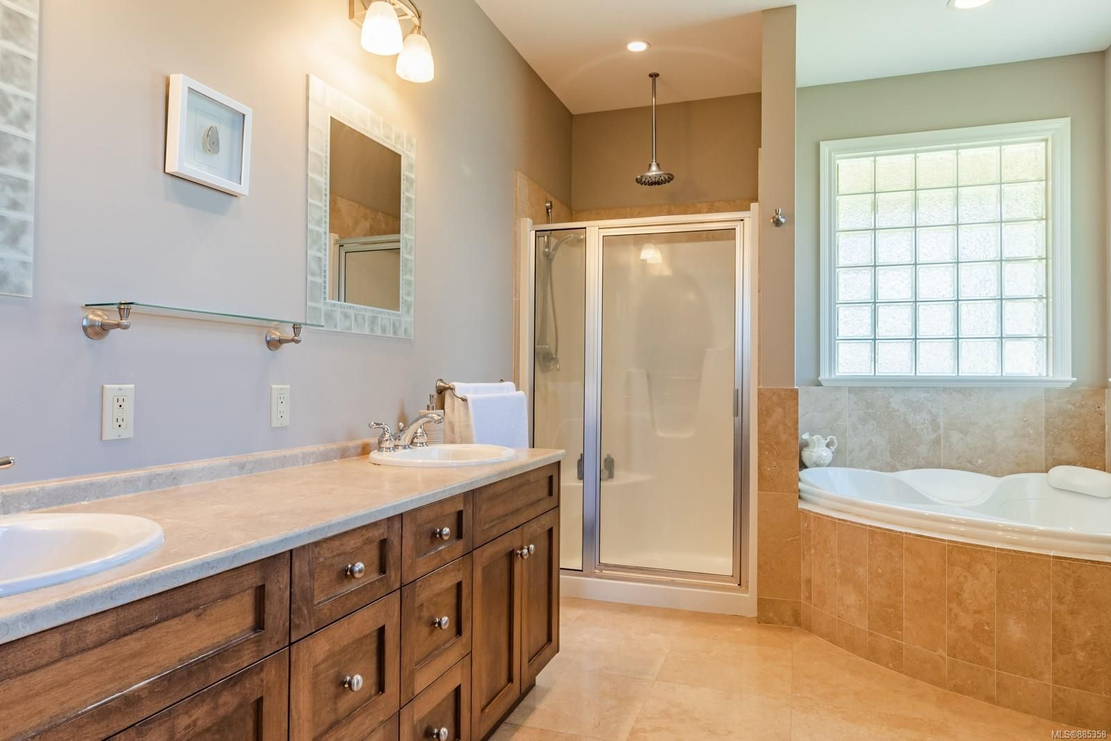 Photo 19: Photos: 2850 Peters Rd in : PQ Qualicum Beach House for sale (Parksville/Qualicum)  : MLS®# 885358