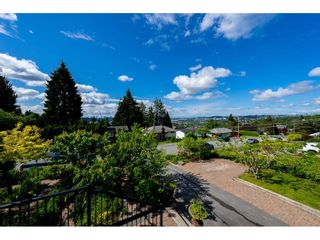 Photo 7: 1579 HAMMOND Avenue in Coquitlam: Central Coquitlam House for sale : MLS®# R2581772