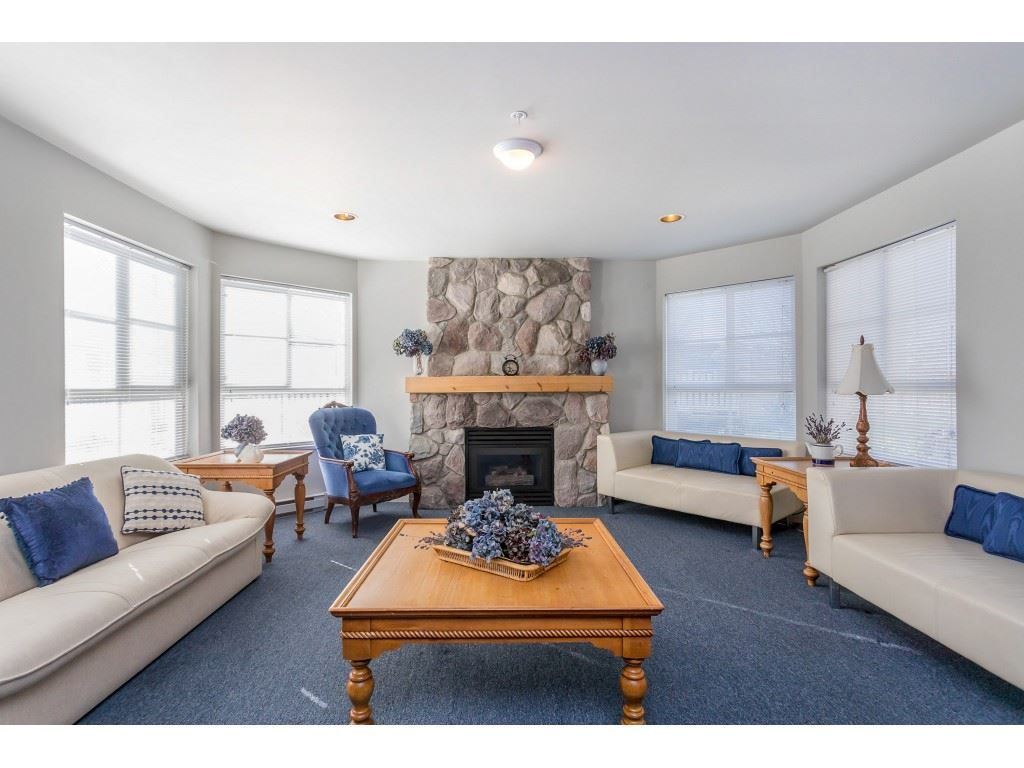 """Photo 14: Photos: 303 19750 64 Avenue in Langley: Willoughby Heights Condo for sale in """"Davenport"""" : MLS®# R2480874"""