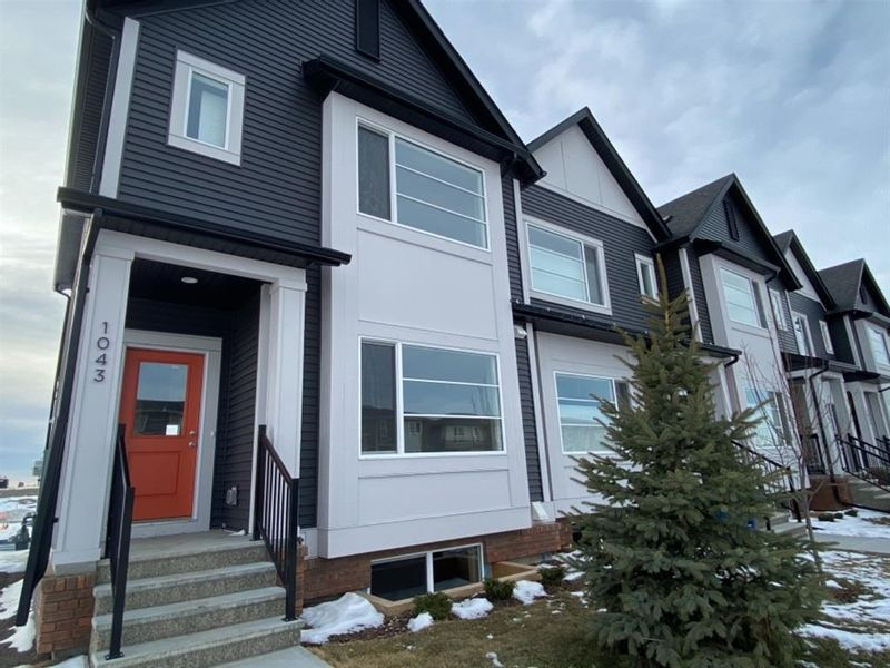 FEATURED LISTING: 1043 Lanark Boulevard Airdrie