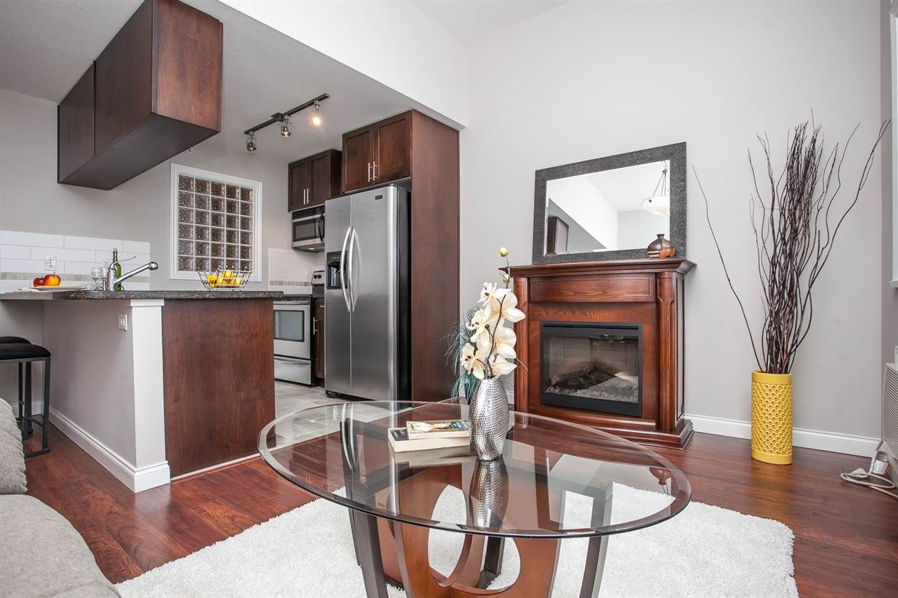 """Photo 5: Photos: 410 5650 201A Street in Langley: Langley City Condo for sale in """"Paddington Station"""" : MLS®# R2087664"""
