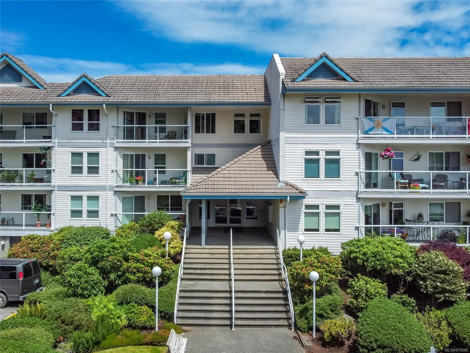Photo 2: Photos: 219 390 S Island Hwy in : CR Campbell River West Condo for sale (Campbell River)  : MLS®# 879696