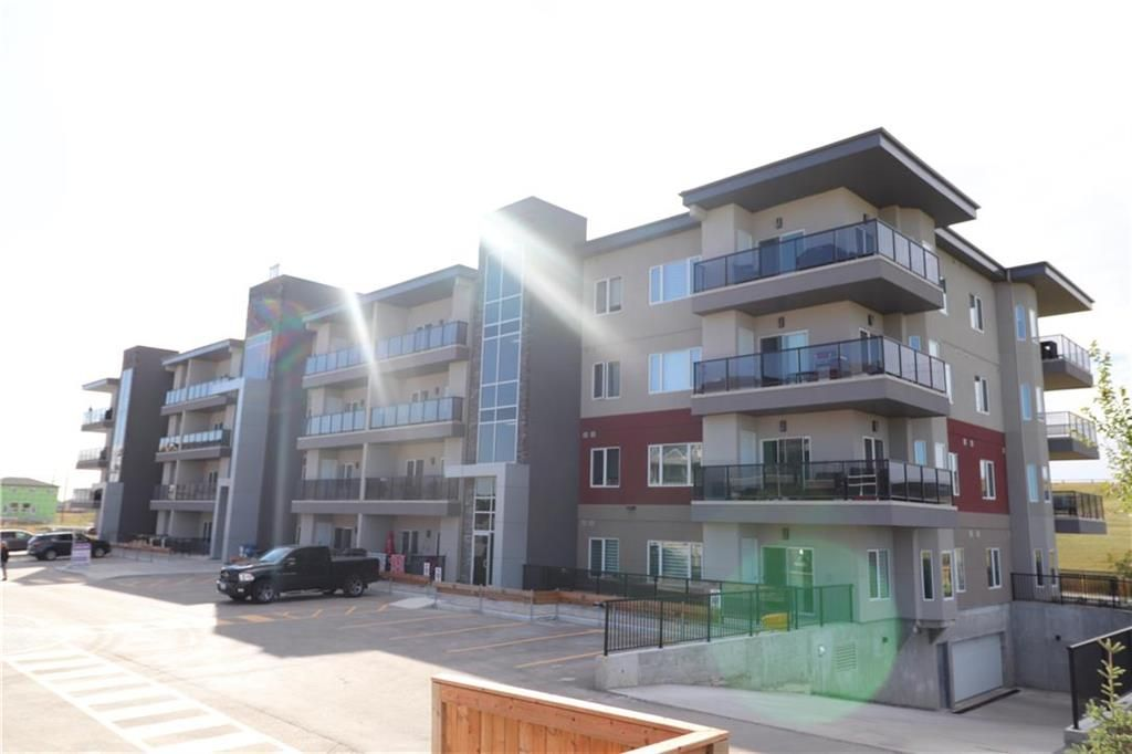 Main Photo: 110 70 Philip Lee Drive in Winnipeg: Crocus Meadows Condominium for sale (3K)  : MLS®# 202100131