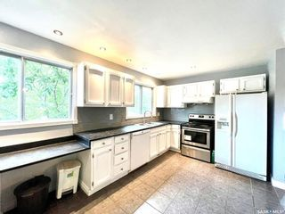 Photo 9: 401 Spruce Drive in Saskatoon: Forest Grove Residential for sale : MLS®# SK862753