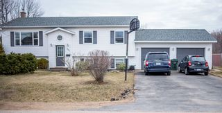 Photo 1: 588 Maxner Drive in Greenwood: 404-Kings County Residential for sale (Annapolis Valley)  : MLS®# 202106281