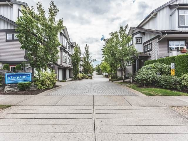 """Main Photo: 26 18828 69 Avenue in Surrey: Clayton Townhouse for sale in """"STARPOINT"""" (Cloverdale)  : MLS®# R2117634"""