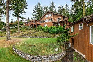 Photo 3: 7290 Mark Lane in Central Saanich: CS Willis Point House for sale : MLS®# 842269