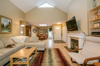 """Photo 9: 404 2733 ATLIN Place in Coquitlam: Coquitlam East Condo for sale in """"ATLIN COURT"""" : MLS®# R2232992"""