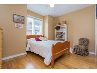 """Photo 10: 2 15432 16A Avenue in Surrey: King George Corridor Townhouse for sale in """"Carlton Court"""" (South Surrey White Rock)  : MLS®# F1449185"""