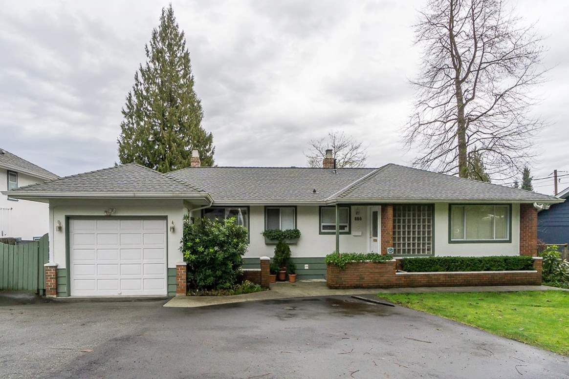 Main Photo: 880 FAIRWAY Drive in North Vancouver: Dollarton House for sale : MLS®# R2035154