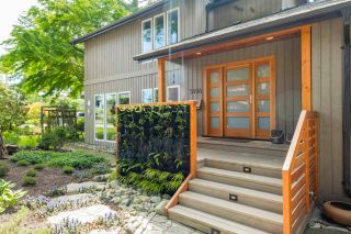 Photo 2: 5936 WHITCOMB Place in Delta: Beach Grove House for sale (Tsawwassen)  : MLS®# R2171187