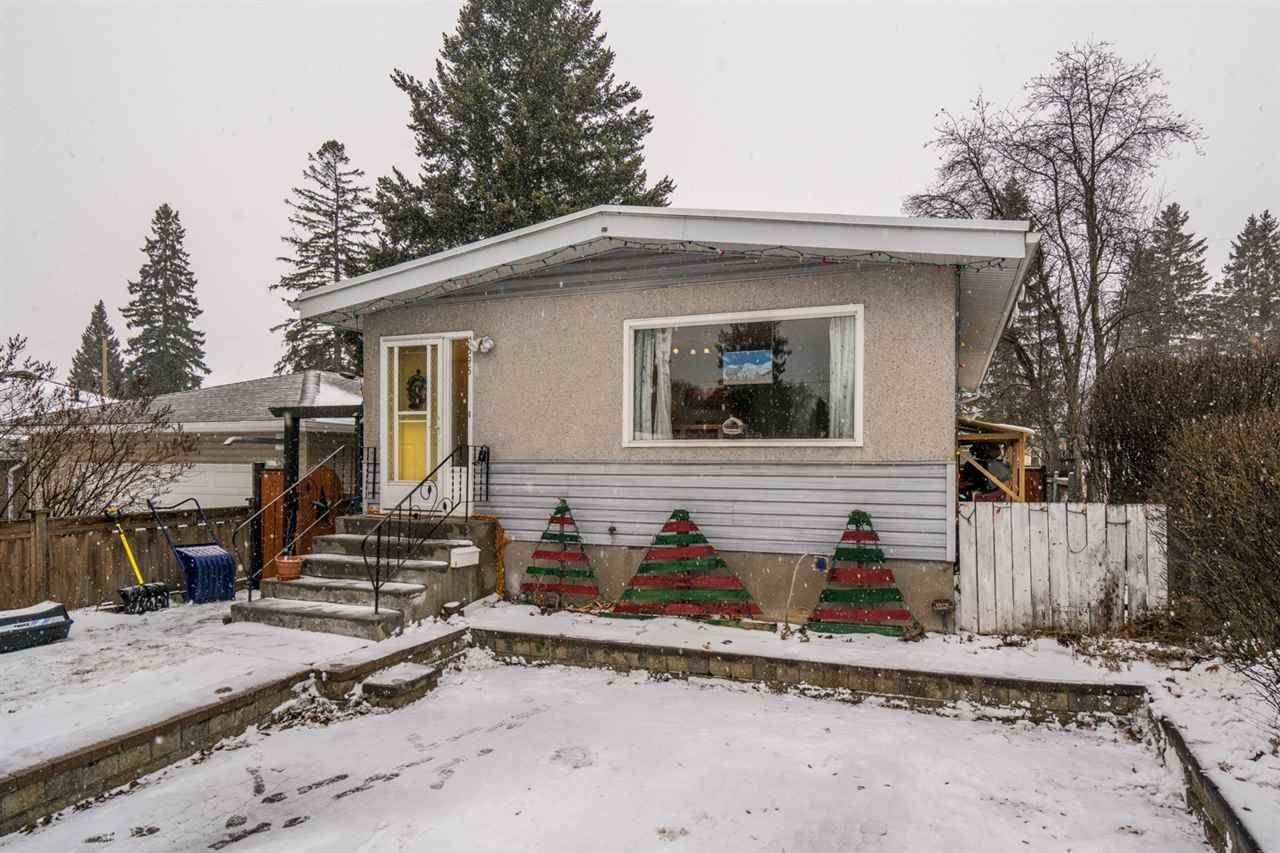 """Main Photo: 1595 GORSE Street in Prince George: Millar Addition House for sale in """"millar addition"""" (PG City Central (Zone 72))  : MLS®# R2423037"""