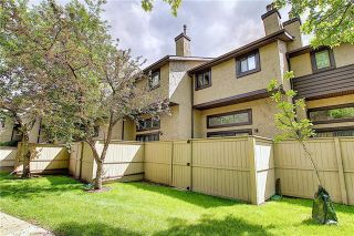 Photo 46: 24 GLAMIS Gardens SW in Calgary: Glamorgan Row/Townhouse for sale : MLS®# A1077235