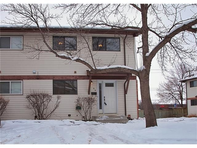 Main Photo: 44 GLOROND Place: Okotoks House for sale : MLS®# C4045280