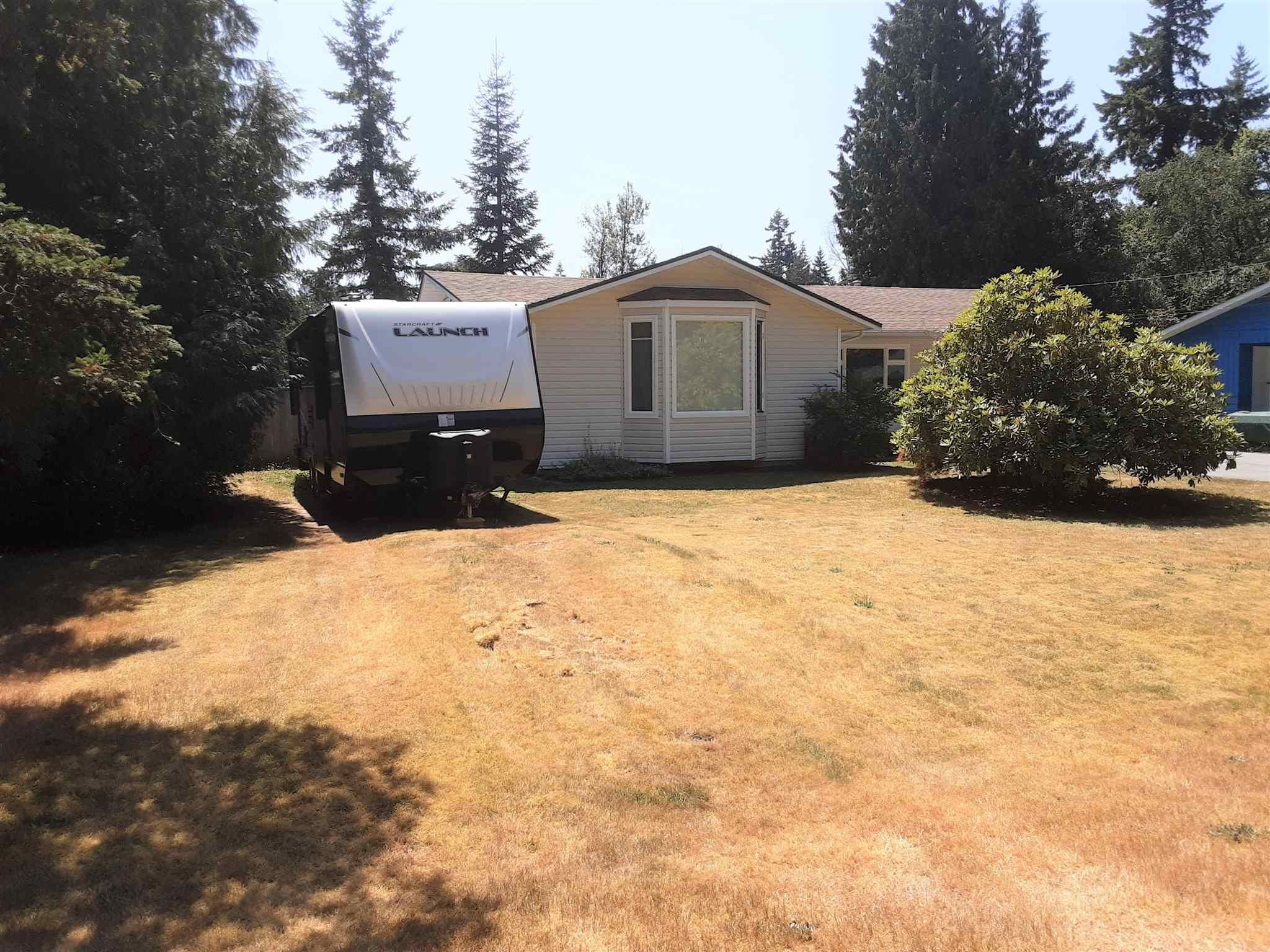 """Photo 3: Photos: 19740 40A Avenue in Langley: Brookswood Langley House for sale in """"BROOKSWOOD"""" : MLS®# R2602130"""