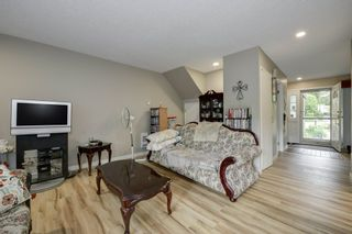 """Photo 9: 4299 BRIDGEWATER Crescent in Burnaby: Cariboo Townhouse for sale in """"Village Del Ponte"""" (Burnaby North)  : MLS®# R2380680"""