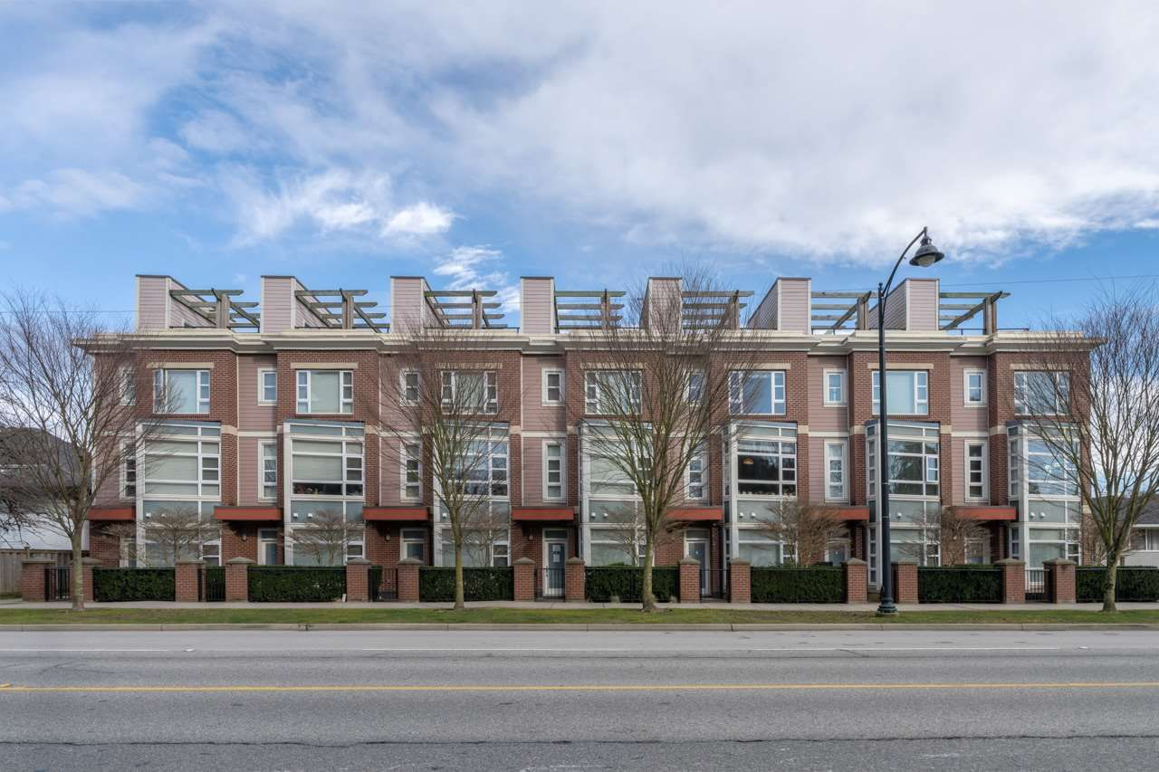 """Main Photo: 5 6600 COONEY Road in Richmond: Brighouse Townhouse for sale in """"MODENA"""" : MLS®# R2571477"""
