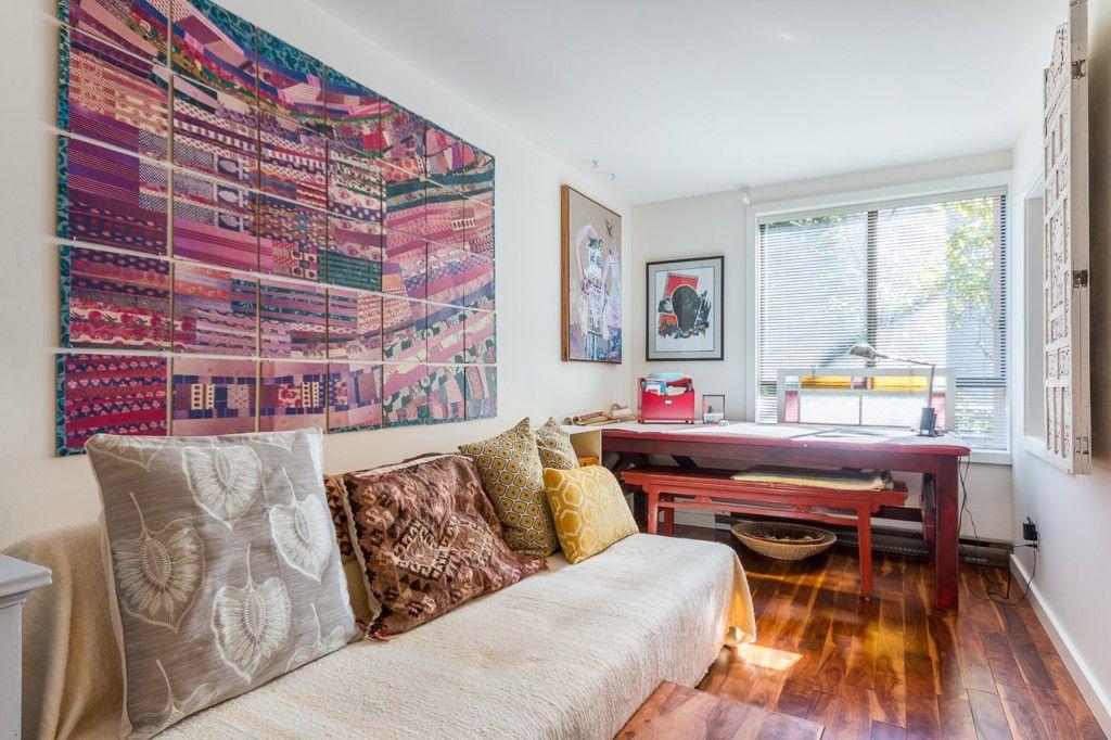 Photo 5: Photos: 105 1375 Newport Avenue in Victoria: Condo for sale : MLS®# 376044
