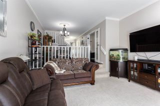 """Photo 9: 8469 PORTSIDE Court in Vancouver: South Marine Townhouse for sale in """"Riverside Terrace"""" (Vancouver East)  : MLS®# R2543365"""