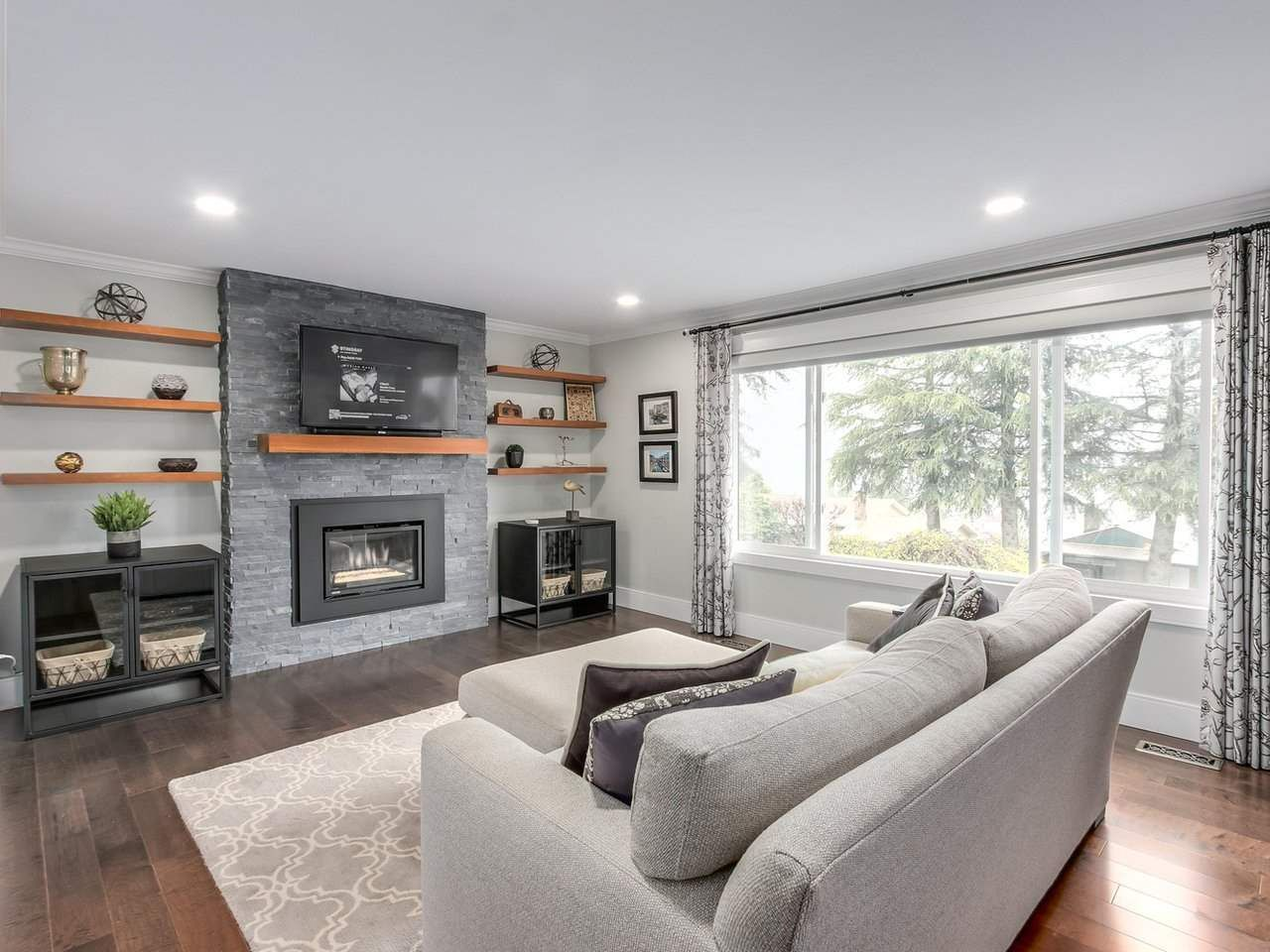 Photo 2: Photos: 2720 HAWSER Avenue in Coquitlam: Ranch Park House for sale : MLS®# R2161090