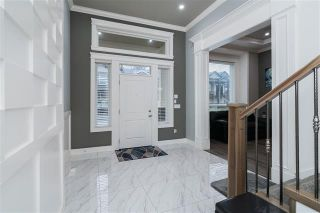 Photo 2: 33939 McPhee Place in Mission: Mission BC House for sale : MLS®# R2427438