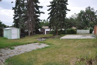 Photo 3: 60 Fawn Crescent SE in Calgary: Fairview Detached for sale : MLS®# A1142937
