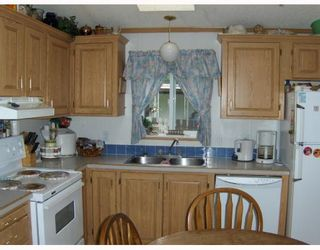 """Photo 7: 6946 ADAM Drive in Prince_George: Emerald Manufactured Home for sale in """"EMERALD"""" (PG City North (Zone 73))  : MLS®# N174041"""