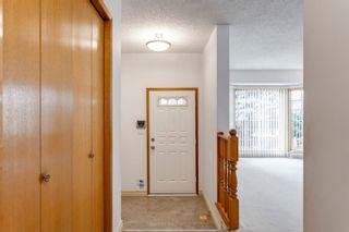 Photo 4: 10712 11 Avenue in Edmonton: Zone 16 House for sale : MLS®# E4256325