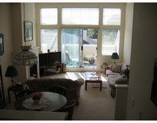 """Photo 2: 3 3576 MARINE Drive in Vancouver: Champlain Heights Townhouse for sale in """"THE SIERRA"""" (Vancouver East)  : MLS®# V782913"""