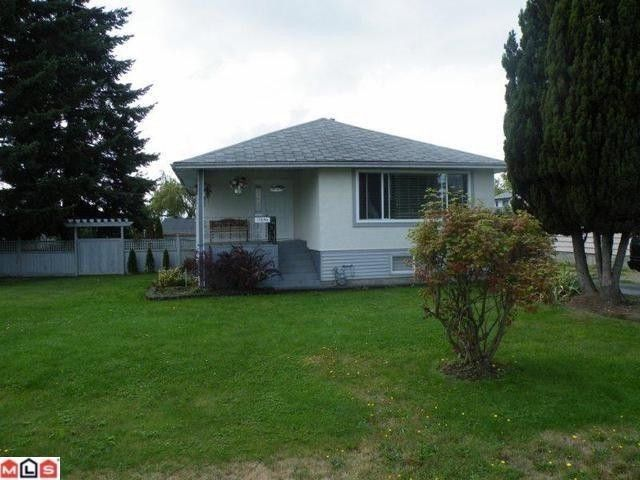 Main Photo: 17486 58A Avenue in Surrey: Cloverdale BC House for sale (Cloverdale)  : MLS®# F1023964