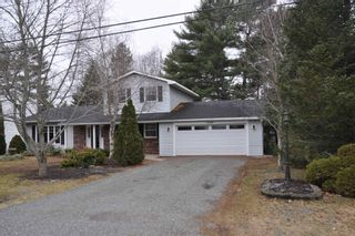 Photo 1: 1499 Sarah Drive in Coldbrook: 404-Kings County Residential for sale (Annapolis Valley)  : MLS®# 202106349