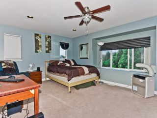 Photo 9: 6461 189TH Street in Surrey: Cloverdale BC House for sale (Cloverdale)  : MLS®# F1218562