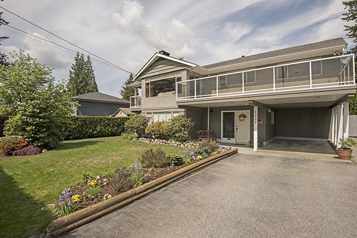 Photo 1: Photos: 1327 BRISBANE Avenue in Coquitlam: Harbour Chines House for sale : MLS®# R2061600