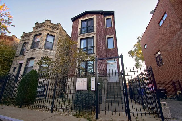 Main Photo:  in Chicago: CHI - West Town Rentals for rent ()  : MLS®# MRD10570724