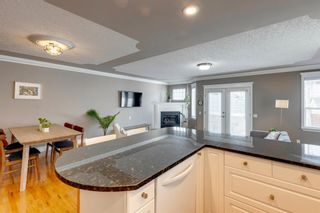 Photo 5: 2107 4 Avenue NW in Calgary: West Hillhurst Row/Townhouse for sale : MLS®# A1129875