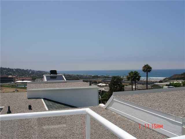 Photo 11: Photos: SOLANA BEACH Condo for sale : 3 bedrooms : 342 Shoemaker Court